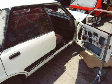 Ford Taunus sağ ön cam krikosu